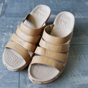 NWOT Women's Crocs Strappy Tan Cork Wedges Size 9